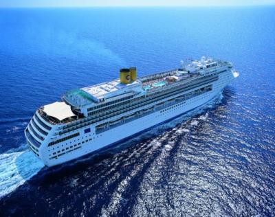 Loď a moře