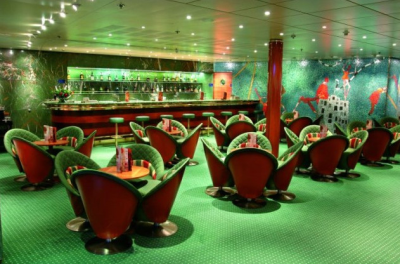 Bar a posezení na palubě