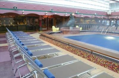 Bazén a lehátka
