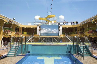 Bazén a veliká televize